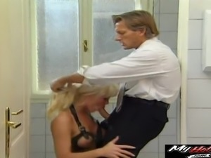 Hardcore fuck in a restroom with a stunning blonde chick