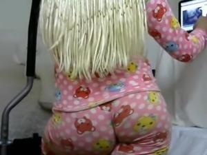 Sexy babe big ass tight leggings big boobs nipples