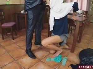 horny arab milf having an extra affair with servant