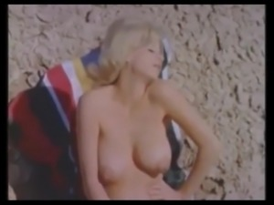 Vintage Big  Bouncing Boobs (Softcore Music-Video)
