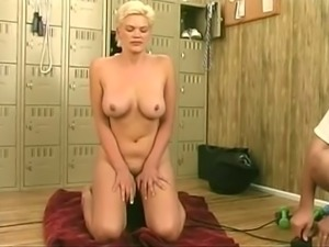 Short haired bitchie MILF with saggy tits was ready to use some dildos