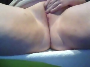 Chubby whore with enormous ass was rubbing her wet juicy pussy