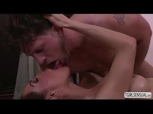 Sunday Valentina fucks by a hot masseuse