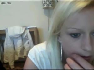 Webcam fun teen fucks herself - Get free sex at freecamsteen.com