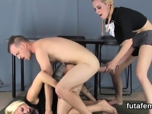 Teenies nail men asshole with huge strapon dildos and squirt
