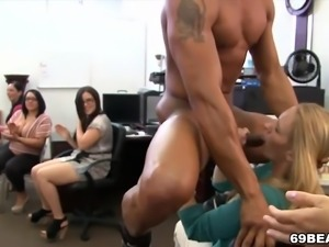 Redtube office orgy яблочко