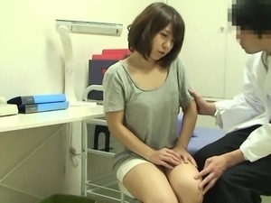 sexy japanese babe sucks her doctor's dick