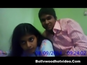 Desi Cute Girl Rupsha Fucking With Boyfriend