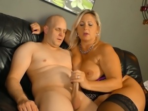 Sexy Susi is a spicy hot MILF with a big booty who loves a good hard fuck