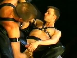 Uncut cock school boys gay sex videos It's a 'three-for-all&#3