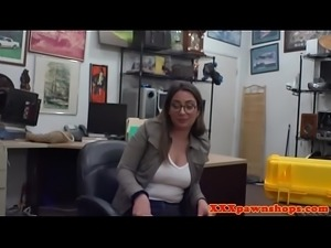 Spex pawner babe doggystyled in POV