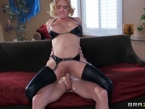 Adorable Housewife In Leather Bra Getting Rocked Missionary Style