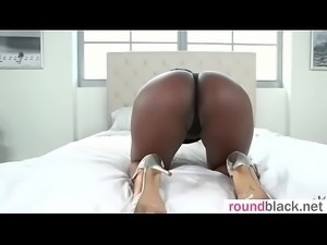 Interracial Sex With Sluty Big Butt Black Hot Girl (Yara Skye) mov-30