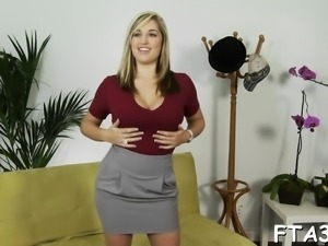 Seductive playgirl actually enjoys style of fucking act