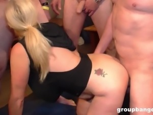 Mature blonde wants to feel fat cocks up her holes