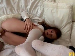 Jackie Bean craves to feel a hunk's fat dick up her tight anal hole