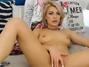 Webcam blonde babe teasing show
