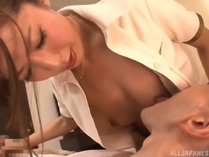 Mashiro Kanna gives a massage and has her tits and pussy slammed