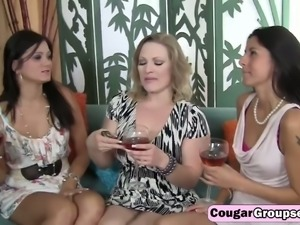 Drunk milfs sharing long shaft on couch