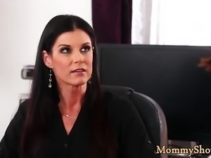 Petite stepdaughter licked by classy milf