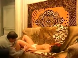 Amateur Russian buddy made his bitchie brunette GF suck his dick