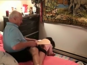 Bitchie amateur brunette got paddled for being too lazy