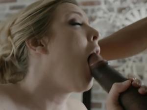 Pregnant woman Karla Kush cannot wait to feel an erected boner
