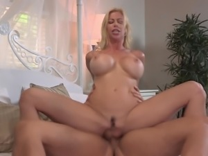 Mature blonde Alexis Fawx spreads her legs for a shag