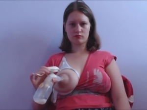 Breast milk pumping. HOTKATI1 2