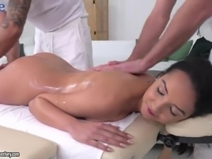 Erotic massage is turned into wild MMF threesome with Francys Belle