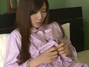 Horny straight haired Asian nympho Hitomi Tsukishiro loves morning masturbation
