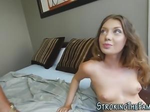 Stepdaughter gulps jizz
