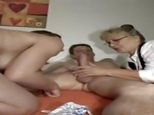 Verdorbene Hausfrau - Anal Casting bei Rottenmaier