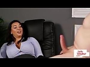 CFNM voyeur instructing tugging guy