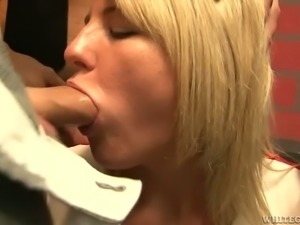Several dudes drill throat of one kinky blond cheerleader in the locker room