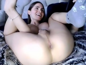 Delightful amateur shemales masturbate together on webcam