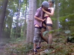 Outdoor Sex with Cumshot