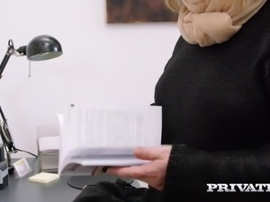 Private.com MILF takes anal therapy