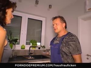 HAUSFRAU FICKEN - Deutsche amateure ficken nacht auf sofa
