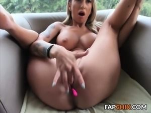 Big boobs girl sloppy deepthroat dildo webcam