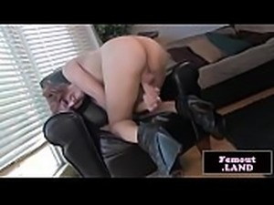 Tranny newbie tugs her big cock