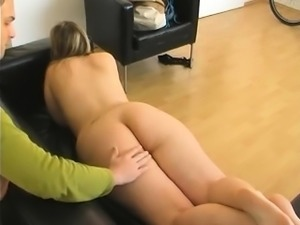Amateur milf gets her wonderful ass caressed and spanked