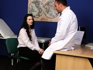 Stockinged babe facialized by doctor