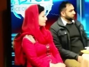 Pakistani aunty tits