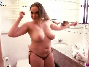 Awesome voluptuous sexy lady Sophia Delane plays with boobs in shower