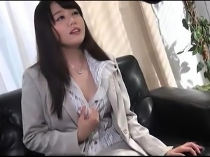 Gorgeous Japanese babe in a sexy costume flaunts her curves