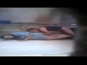 محجبة مصرية هايجة فى شقة زميلها