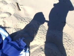 Thai Tammy's shadow suck on nude beach