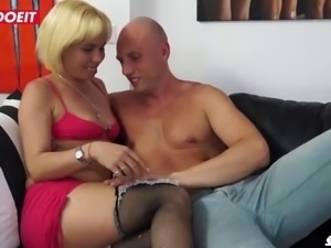 Letsdoeit dirty italian mature takes anal like a pro
