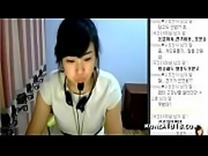 Korean streamer Hanbyul strips